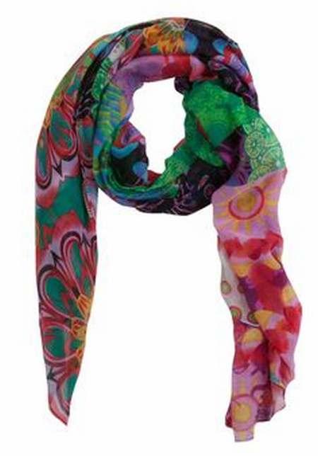 foulard femme marque pas cher,foulard femme vert,foulard femme bhv 20e7c2ae8c4